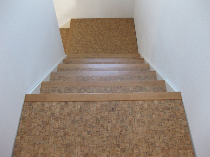 Exceptionnel Pre Finished Cork Flooring On Stairs With Painted Risers (view Looking Down)