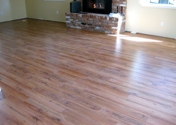 Laminate Plank Flooring as a floating installation through out the house