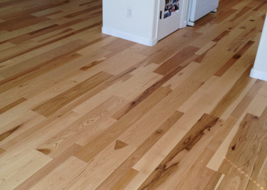 Wire brushed-oiled pre-finished engineered wood flooring as a floating install