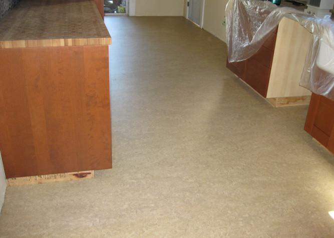 Laying marmoleum floor tiles meze blog for Linoleum flooring installation